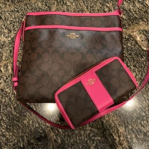 BRAND new coach purse and wallet set